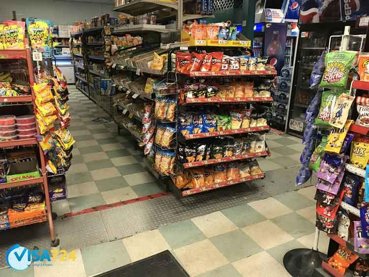 خرید فروشگاه موادغذایی در کانادا