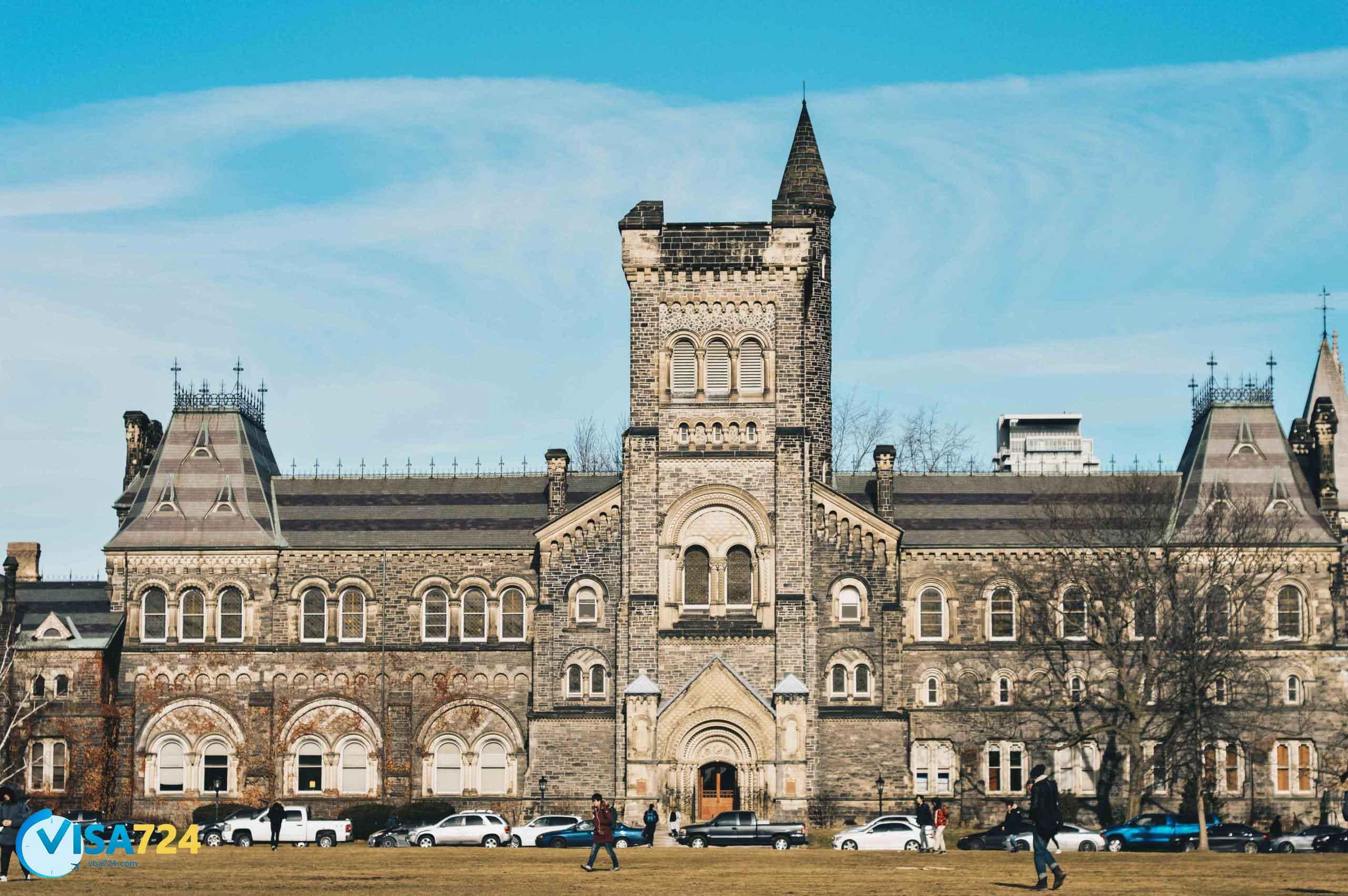 تحصیل پزشکی در دانشگاه تورنتو