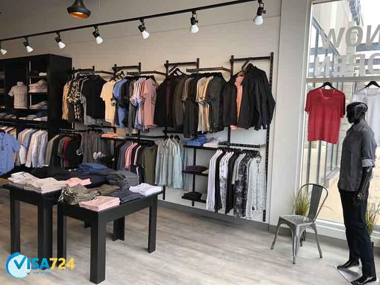 فروشگاه لباس در کانادا