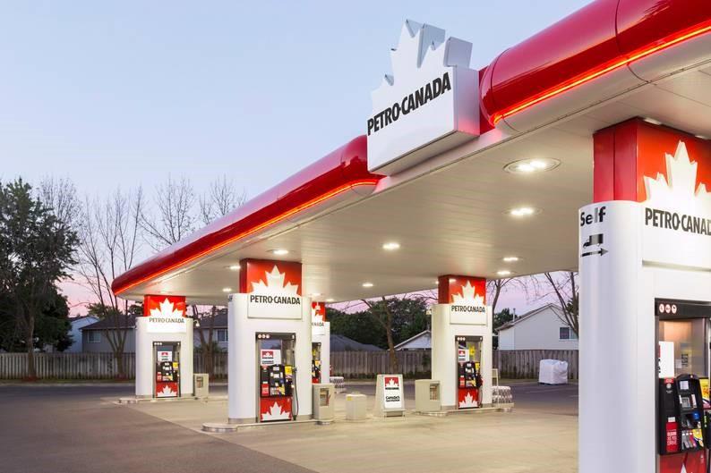 وسایل پمپ بنزین در کانادا