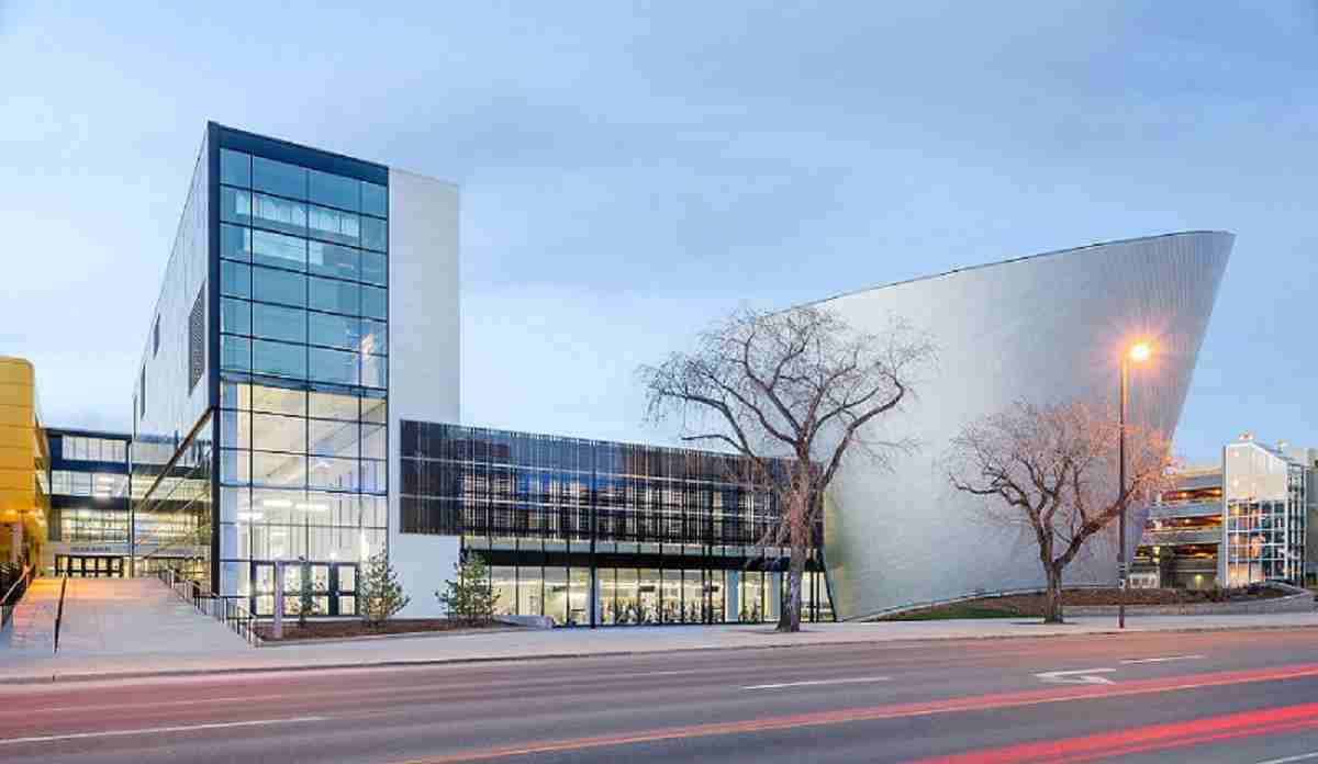 مرکز سلامت دانشگاه آلبرتا